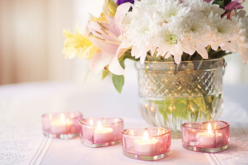 heart candles and flowers