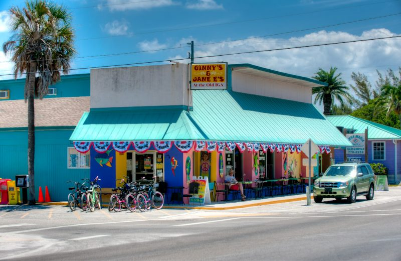 outside of Ginny & Jane E's Café