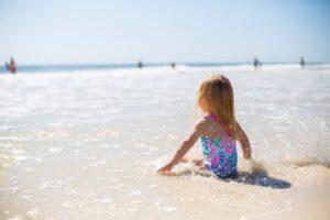 little-kid-in-the-shoreline