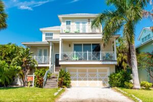 outside of nice home in anna maria island